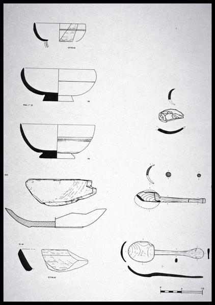 Vue du dessin de sept éléments de cuisine en bois (fouille M. L'Hour/Drassm, E. Veyrat/Drassm).