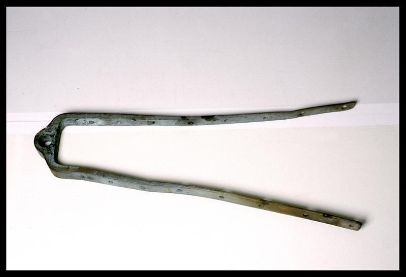 Vue d'un élément métallique (fouille M. L'Hour/Drassm).
