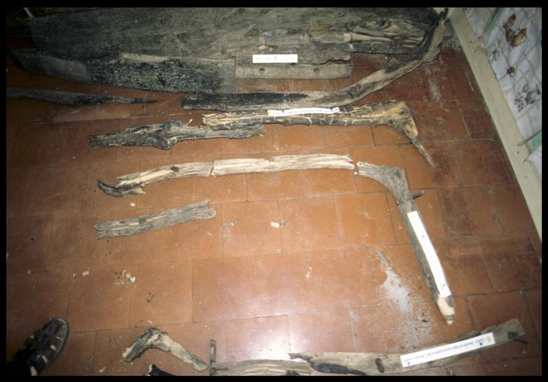 Vue des membrures de la carène d'une sapine (fouille CNRAS).