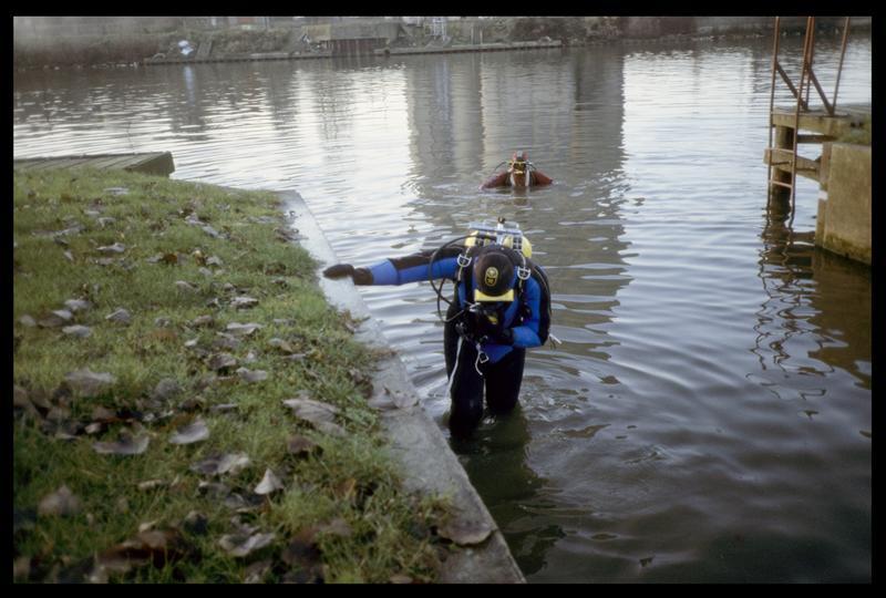 Vue de la mise à l'eau des plongeurs (fouille AFAN).