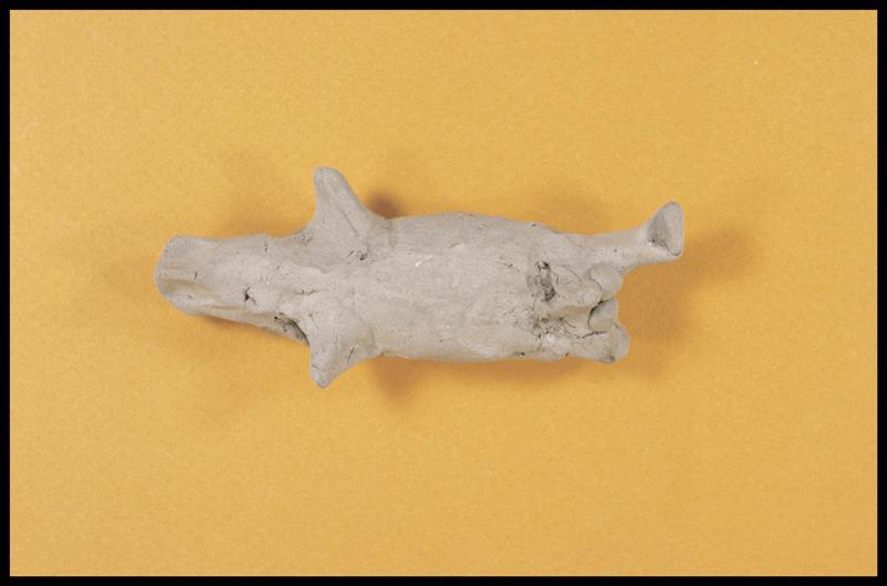 Vue d'une statuette d'argile (fouille A. Marguet/Drassm).
