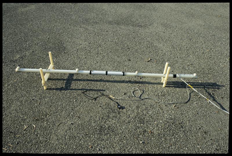 Vue de la barre de mesure du sondeur à sédiment (fouille A. Marguet/Drassm).