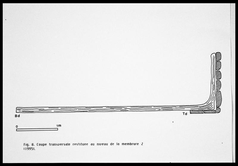 Vue du dessin de la coupe transversale restituée au niveau de la membrure 2 (fouille E. Rieth).