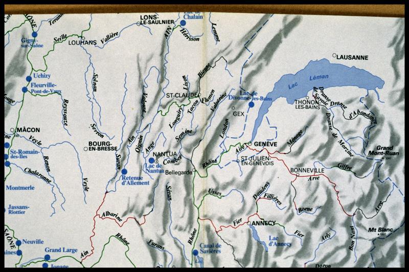 Vue de la carte hydrographique de la région (fouille E. Rieth).