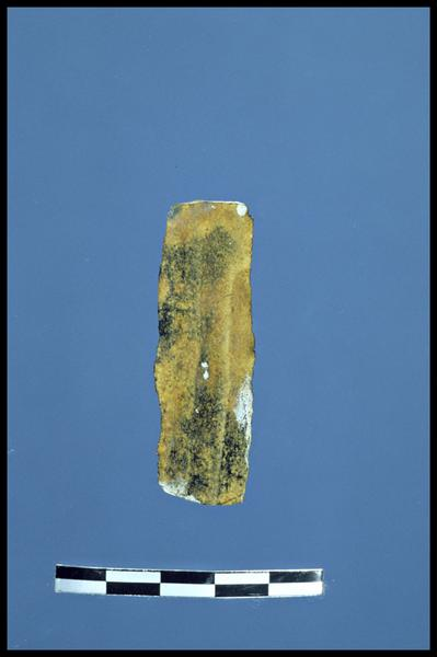 Vue d'une lame de silex taillé (fouille C. Dupont).