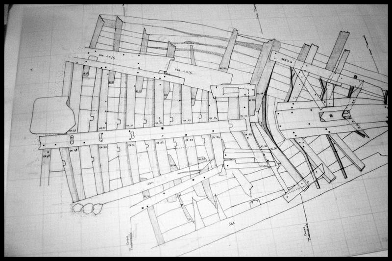 Vue de détail du plan de la carène (fouille E. Rieth).
