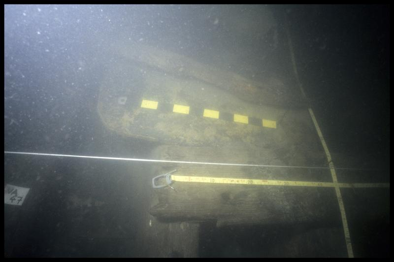 Vue sous-marine de la quille sur la varangue V47 (fouille E. Rieth).