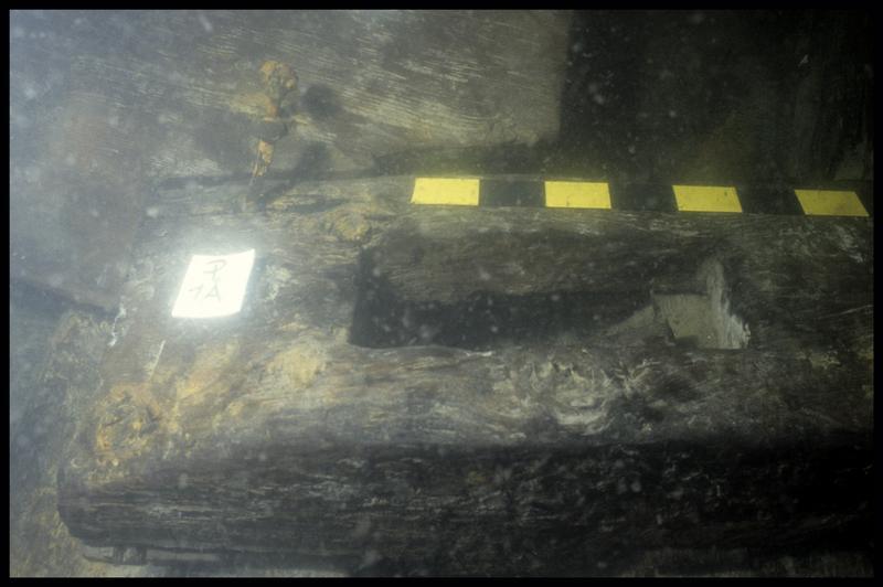 Vue sous-marine du massif d'emplanture (fouille E. Rieth).