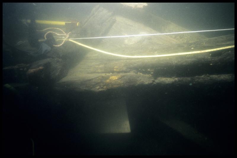 Vue sous-marine de détail de la carène (fouille E. Rieth).