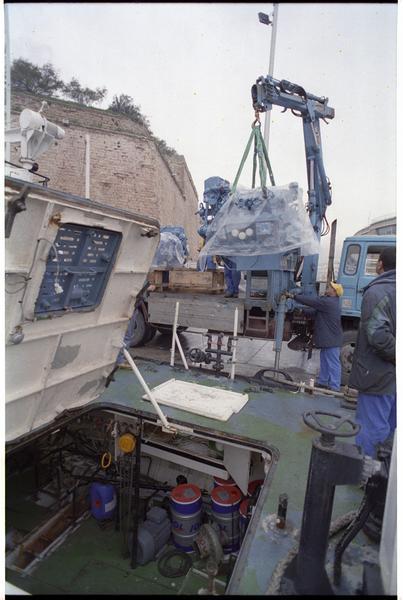 Vue de la mise en place des nouveaux moteurs de L'Archéonaute.