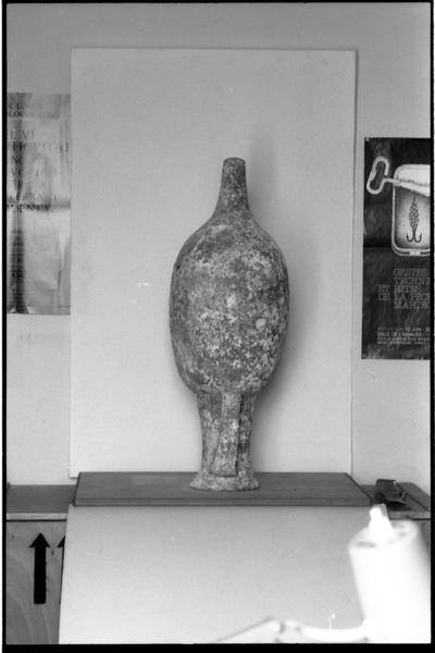 Vue du profil d'une amphore Dressel 7/9 (fouille H. Bernard/Drassm).