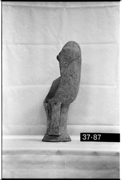 Vue du profil d'un col d'amphore Dressel 7/9 (fouille H. Bernard/Drassm).
