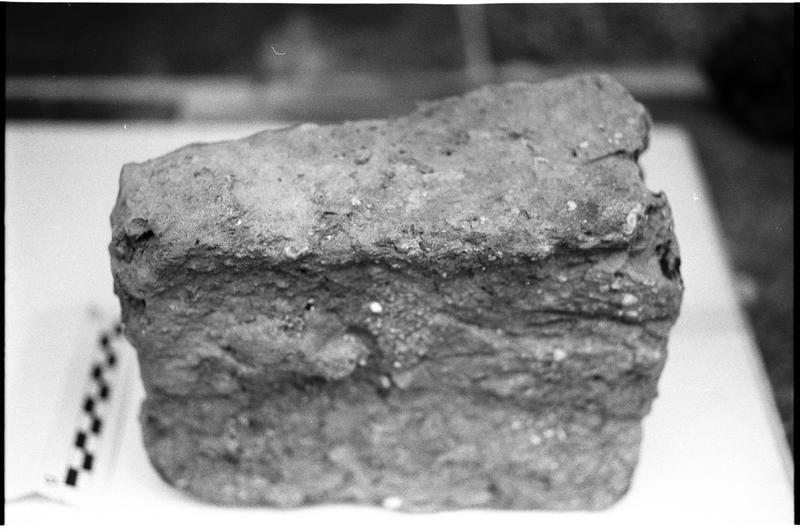 Vue d'un fragment de céramique commune (fouille H. Bernard/Drassm).