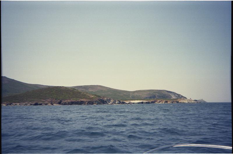 Vue de la côte depuis le site (fouille H. Bernard/Drassm).