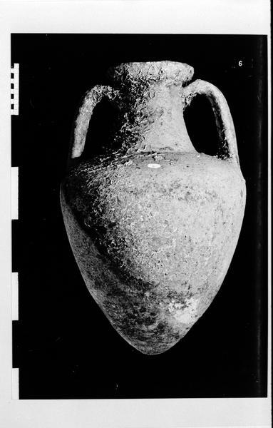 Vue d'une amphore massaliète (fouille D. Fonquerle).