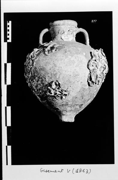 Vue d'une amphore grecque (fouille D. Fonquerle).