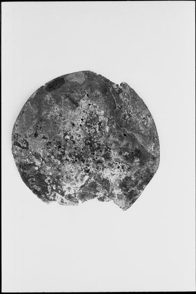 Vue d'un fond de plat de céramique (fouille M. L'Hour/Drassm).