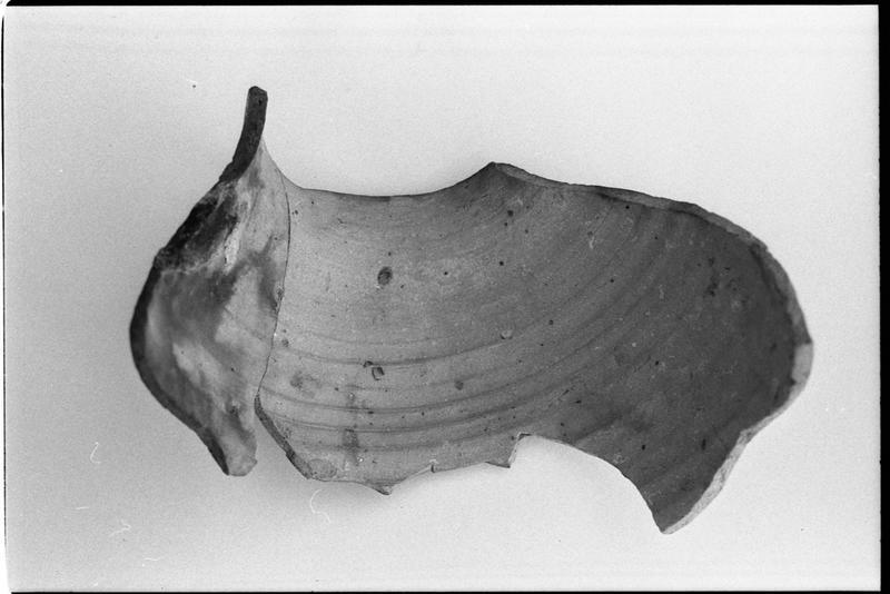 Vue interne d'un fragment de pot en grès (fouille M. L'Hour/Drassm).
