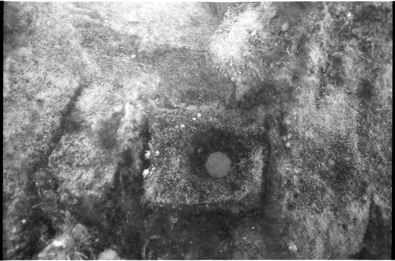 Vue sous-marine d'un élément de la carène (fouille M. L'Hour/Drassm).