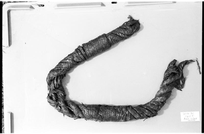Vue d'un fragment de cordage (fouille M. L'Hour/Drassm).