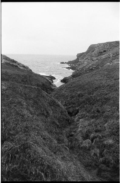 Vue du site depuis la côte (fouille M. L'Hour/Drassm).
