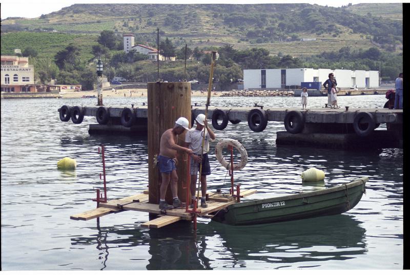 Vue de l'installation des piles de pont (fouille M. Guyon).
