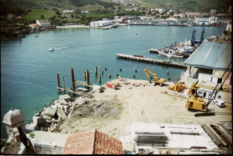 Vue de l'amménagement du port (fouille M. Guyon).