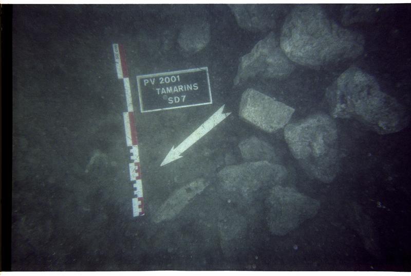 Vue sous-marine des pierres du sondage 7 (fouille M. Guyon).