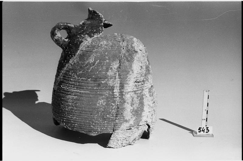 Vue d'un col d'amphore Late Roman 4 (fouille L. Long/Drassm).