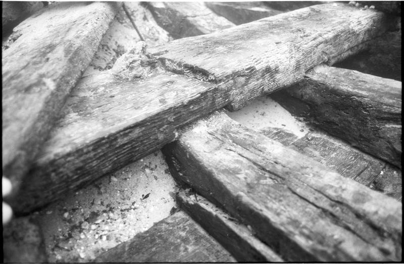 Vue sous-marine de détail de la carène (fouille L. Long/Drassm).