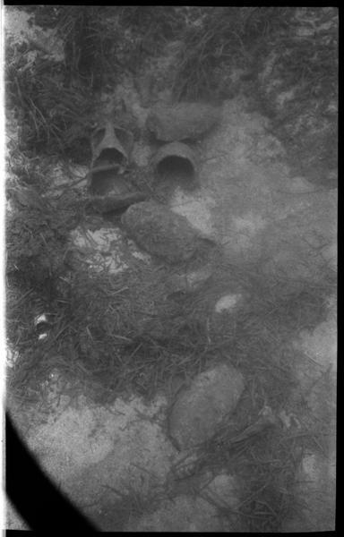 Vue sous-marine des amphore in situ (fouille A. Tchernia).