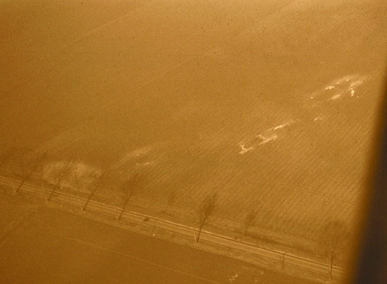 De part et d'autre de la voie romaine, sur une distance de 360 m environ, agglomération secondaire.