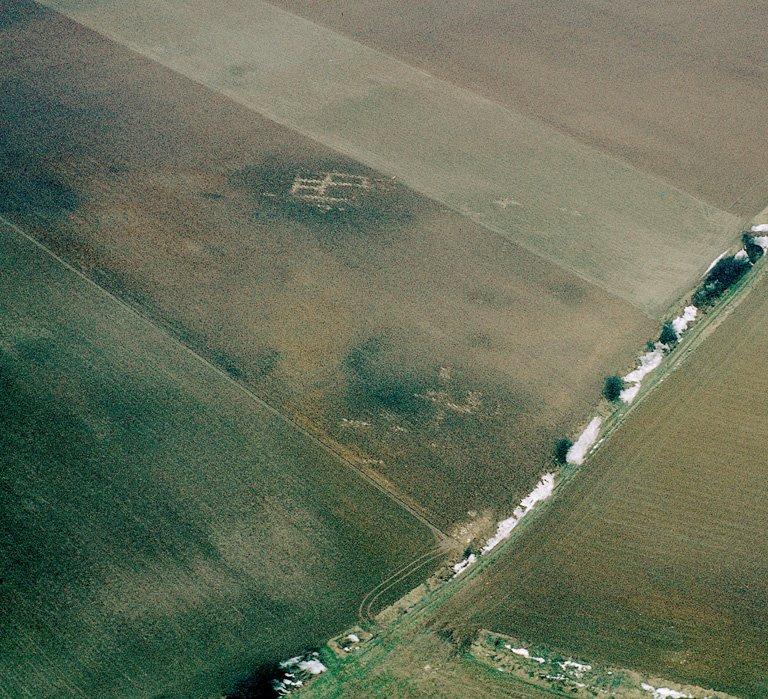 Vastes substructions gallo-romaines de plan indéterminé.