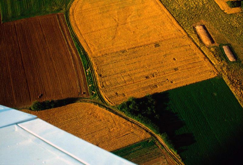 Batiment rural rectangulaire orienté est-ouestavec galerie au nord. Bas-Empire.
