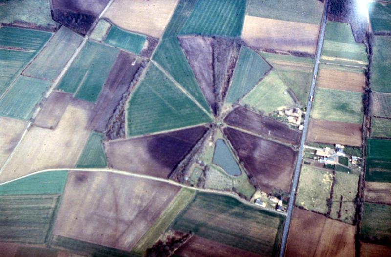 Parcellaire circulaire concentrique à une source.