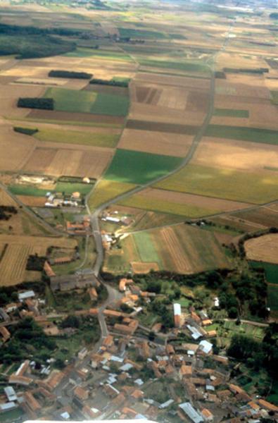 Départ de voies anciennes de Marnes vers Poitiers