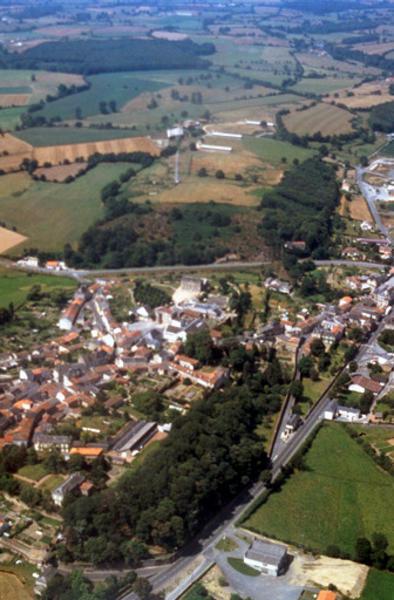 Le château et plus à l'ouest Château Gaillard;