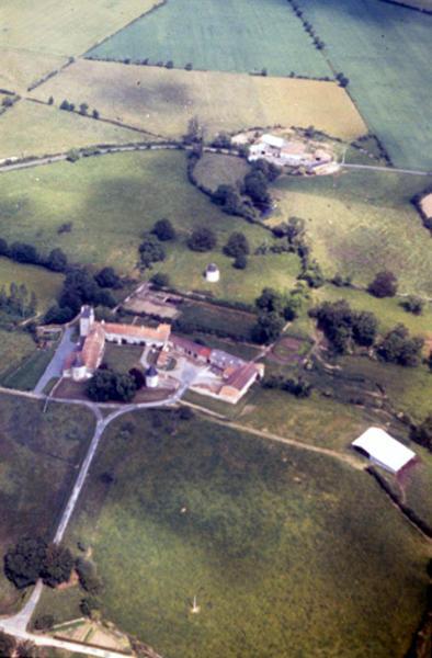 Parcellaire circulaire associé au château de La Durbie.