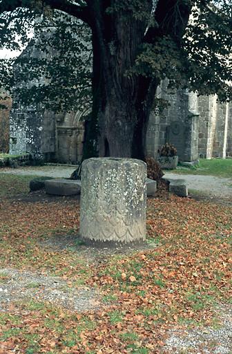 fragment de colonne gallo-romaine