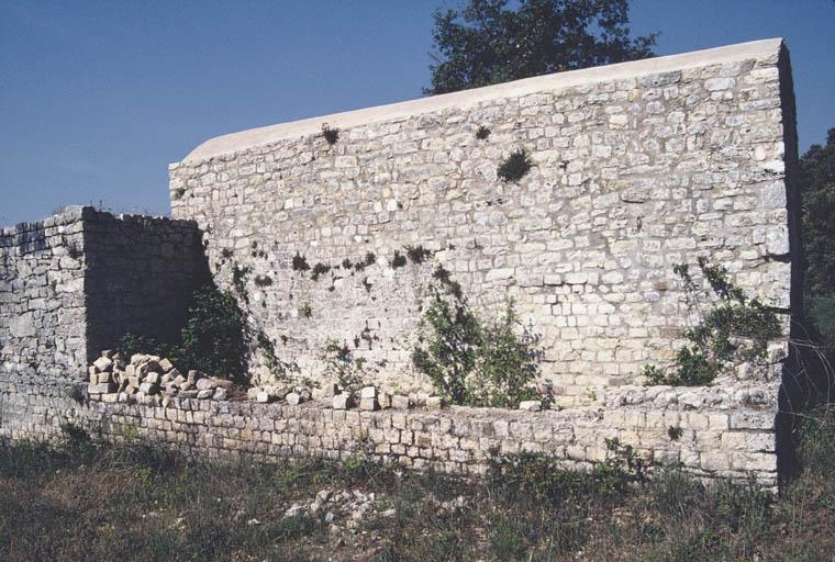 Vue de la façade est.