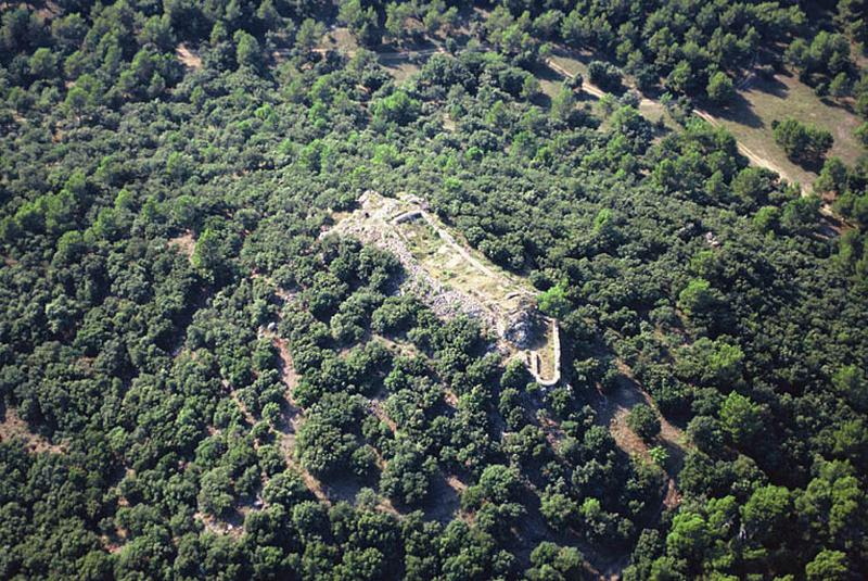 Habitat ; bourg castral