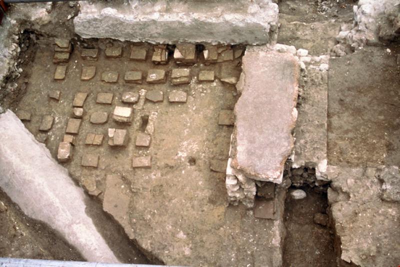 Moulin : bâti antique