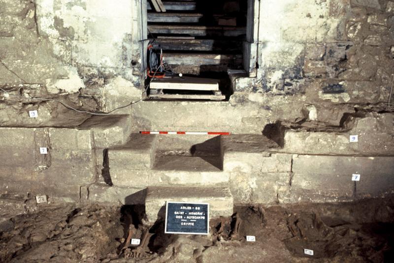 Cimetière : dans la crypte