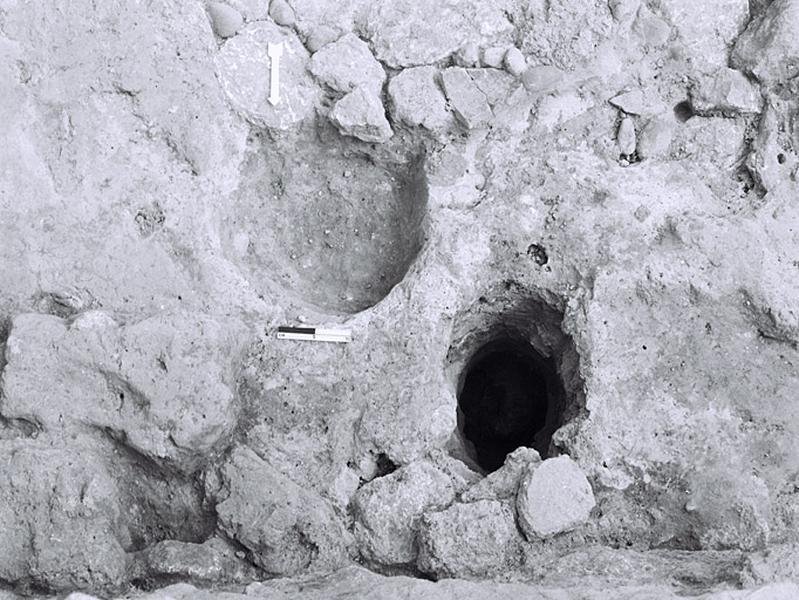 Habitat ; occupation : habitation et remblai-dépotoir