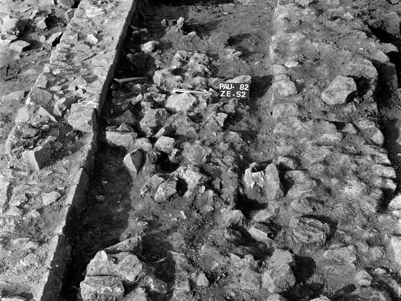 Nécropole : enclos et tombes