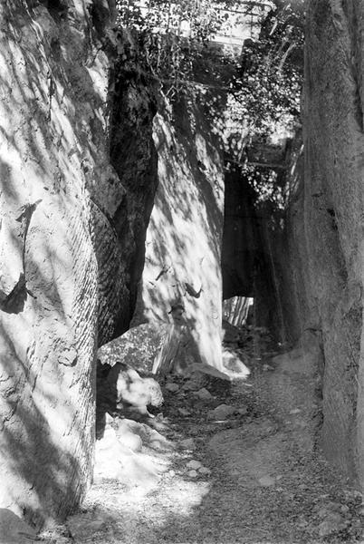 Aqueduc : couloir taillé