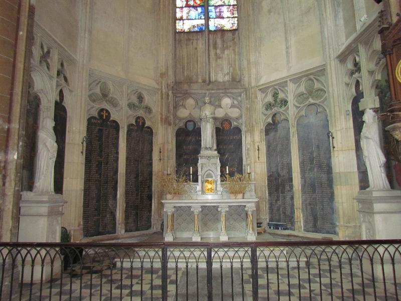 Monument aux morts de la guerre 1914-1918 de la cathédrale Saint-Etienne