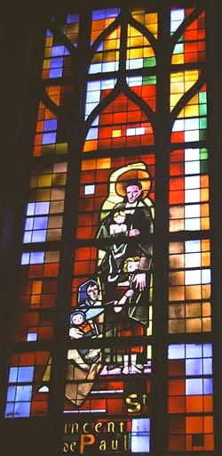 verrière figurée : Saint Vincent de Paul