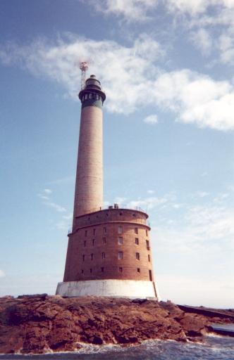 Phare des Roches-Douvres (Etablissement de signalisation maritime n° 558/000)