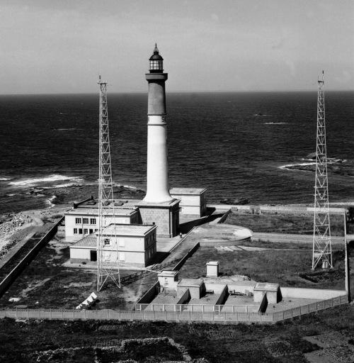 Phare de l'île de Sein (Etablissement de signalisation maritime n°695/000)